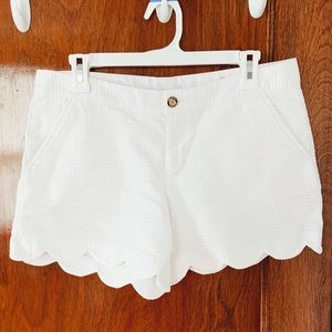 Lilly Pulitzer White Scalloped Buttercup Shorts
